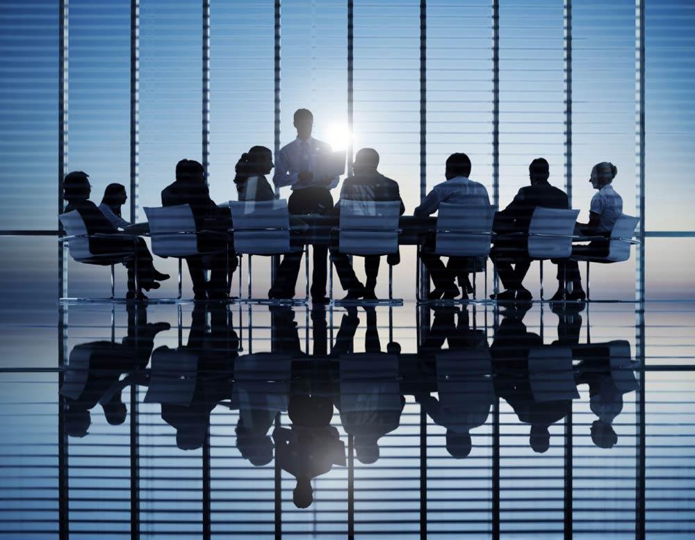 Creación de Marca y Reestructuración Corporativa